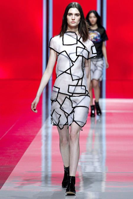 Christopher Kane Fall 2013 RTW 20