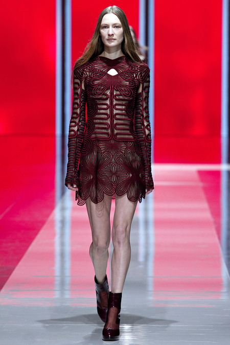 Christopher Kane Fall 2013 RTW 7