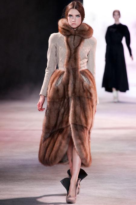 Ulyana Sergeenko Fall 2013 Couture 16
